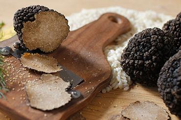 http://www.legourmet.com.hk/wp-content/uploads/2017/10/truffle-2.jpg