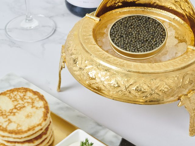 http://www.legourmet.com.hk/wp-content/uploads/2019/12/golden-with-blinis-640x480.jpg